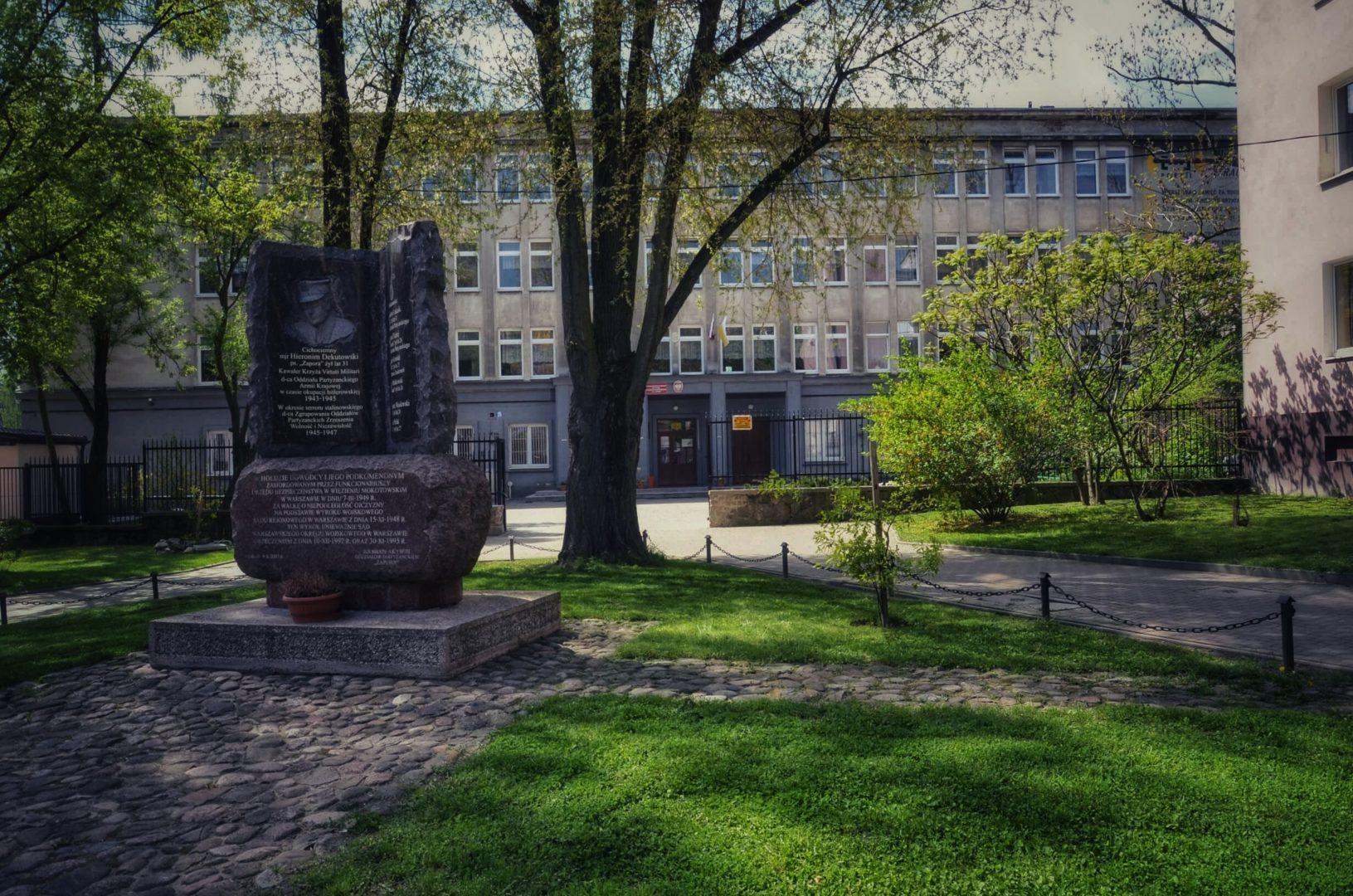 stronaglowna-01
