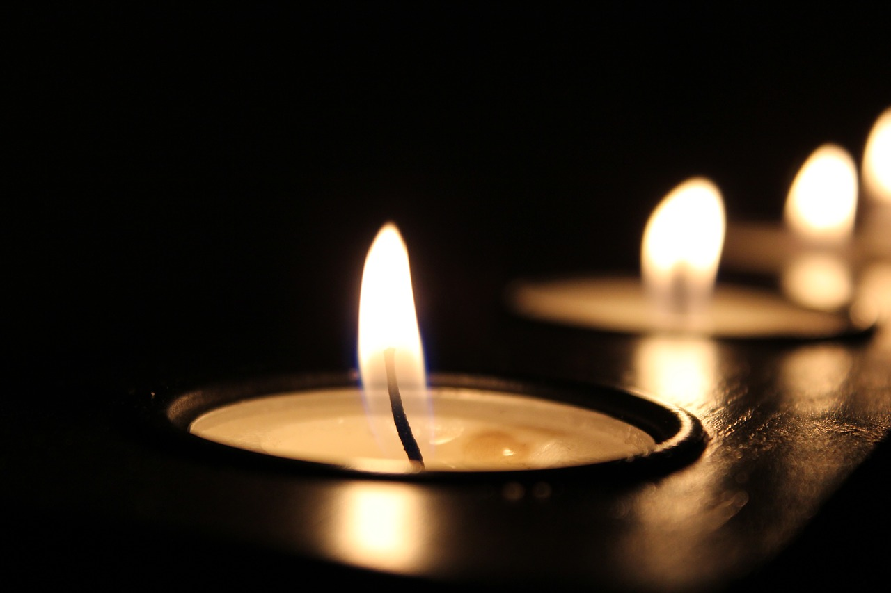 candle-2181896_1280